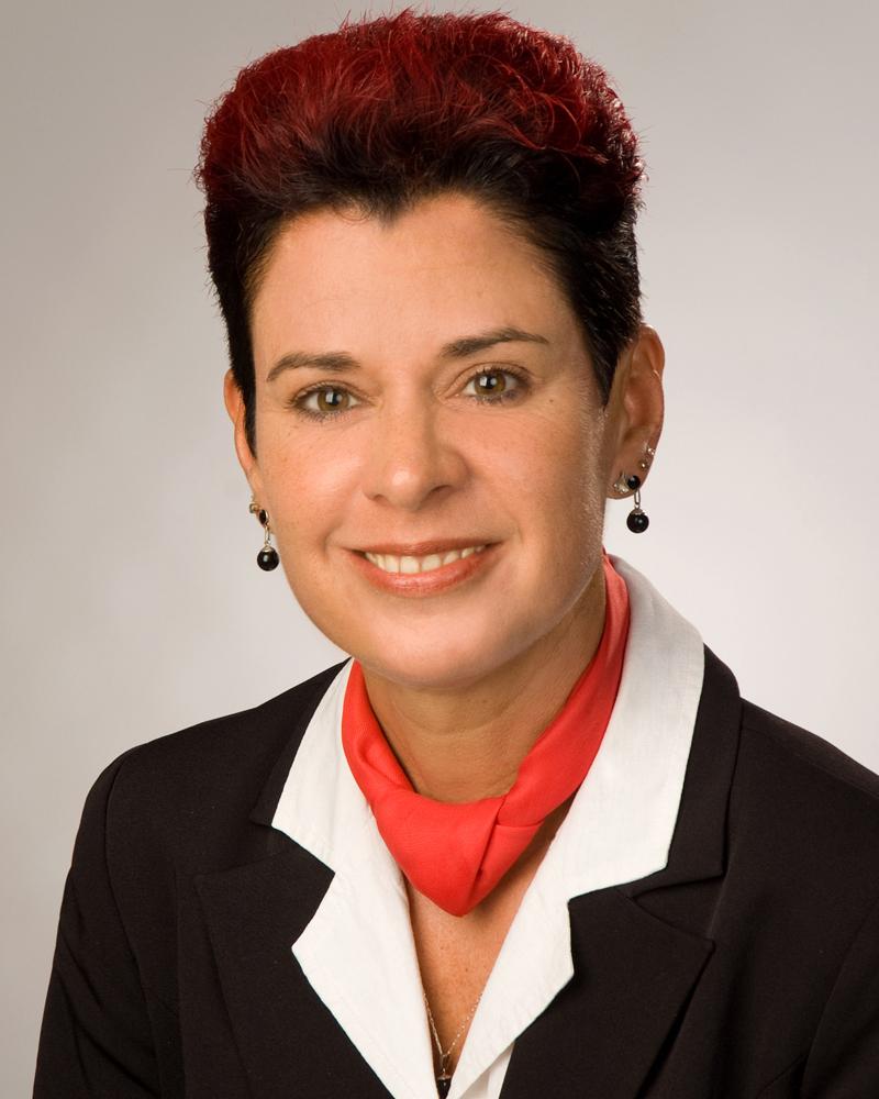 Dipl.-Kauffrau (Univ.) Jana Lindner-Okrusch