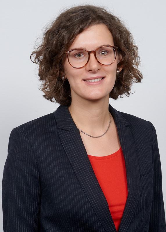 Julia Droege-Knaup