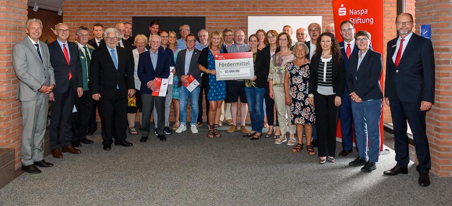 20190814-Naspa-Stiftung-Fördermittelübergabe-Main-Taunus-Kreis-klein.jpg (15.08.2019 09:36)