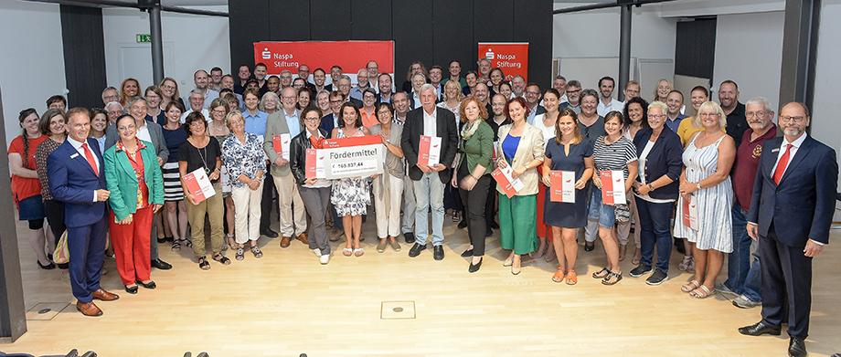 Pressefoto-Fördermittelübergabe-Wiesbaden.jpg (26.08.2019 14:43)