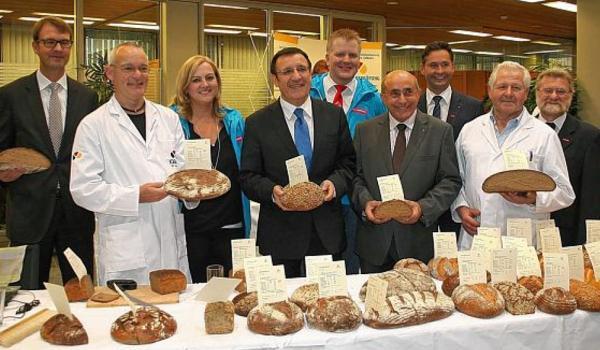 Öffentliche Brotprüfung der Bäckerinnung