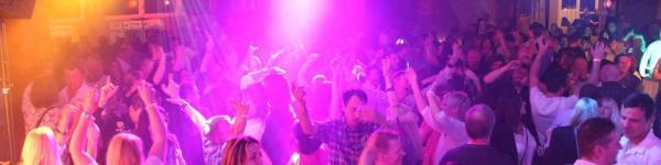 30+ Party in Mühlacker - Auto-Stiefel